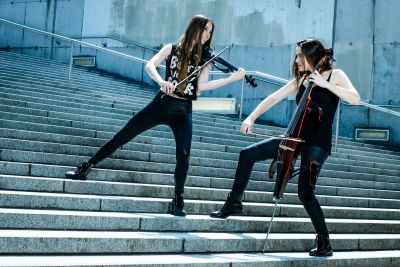 V-Power - Violin & Violoncello at its best